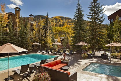 Outdoor Pool | Vail Marriott Mountain Resort