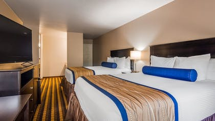 | Family Suite, Multiple Beds, Non Smoking, Refrigerator & Microwave | Best Western New Oregon Motel