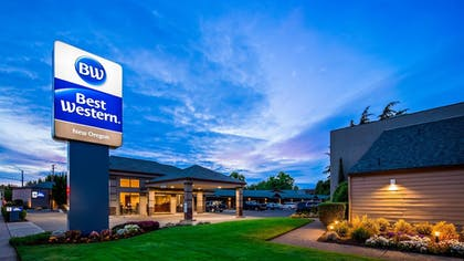 Exterior | Best Western New Oregon Motel