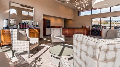 Lobby | Best Western New Oregon Motel