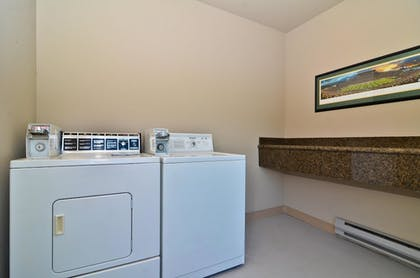 Laundry Room | Best Western New Oregon