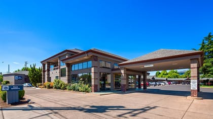 Featured Image | Best Western New Oregon Motel