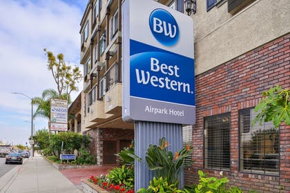 Featured Image | Best Western Airpark Hotel