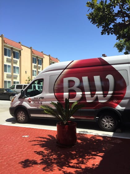 Airport Shuttle | Best Western Plus South Bay Hotel