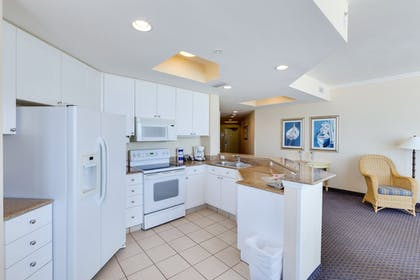 In-Room Kitchen | Pink Shell Beach Resort and Marina
