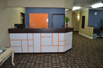 Reception | Countryside Inn & Suites Fremont