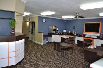 Hotel Interior | Countryside Inn & Suites Fremont