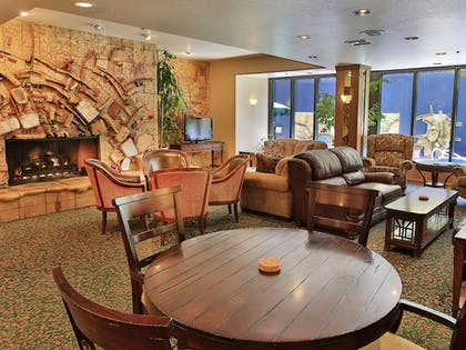 Lobby Lounge | Tahoe Seasons Resort, a VRI resort