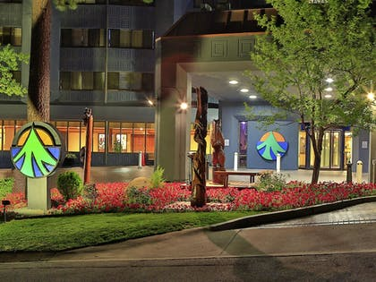 Hotel Front - Evening/Night | Tahoe Seasons Resort, a VRI resort