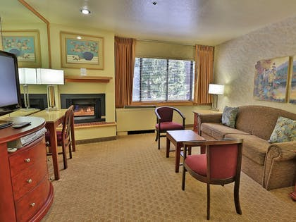 Living Area | Tahoe Seasons Resort, a VRI resort