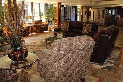 Lobby Sitting Area | Tahoe Seasons Resort, a VRI resort