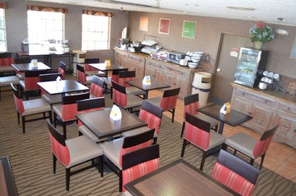 Food Court | Comfort Inn Santa Fe