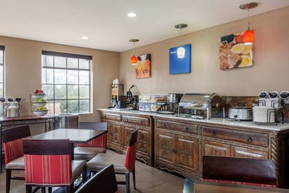 Breakfast Area | Comfort Inn Santa Fe