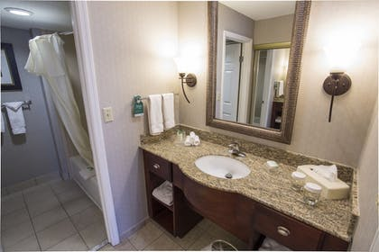 | 1 King 2 Double 2 Bedroom 2 Bath Suite Beds | Homewood Suites by Hilton Savannah