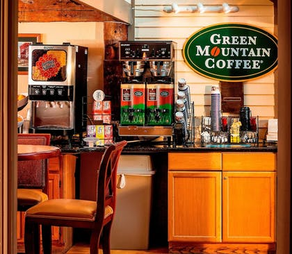 Restaurant | Best Western Inn & Suites Rutland-Killington