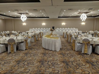 Ballroom | Holiday Inn Champaign