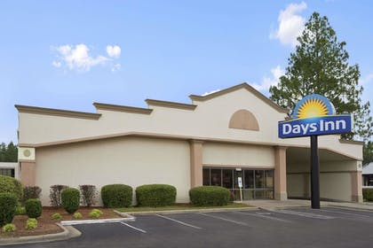Featured Image | Days Inn by Wyndham Fayetteville-South/I-95 Exit 49