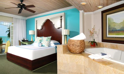 Jetted Tub | Ocean Key Resort - A Noble House Resort
