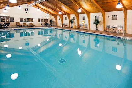 Pool | Holiday Inn Hotel & Suites Rochester - Marketplace