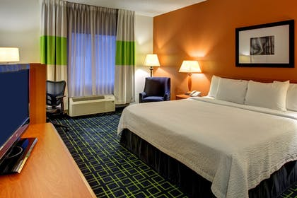 Guestroom   Wingate by Wyndham Fletcher at Asheville Airport