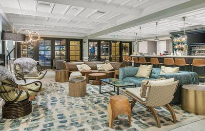 Hotel Bar | Miramonte Indian Wells Resort & Spa, Curio Collectionby Hilton