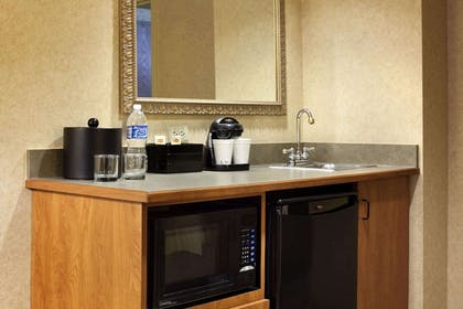 Private Kitchen | Embassy Suites by Hilton Columbia Greystone