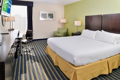 Guestroom | Holiday Inn Express Worcester Downtown