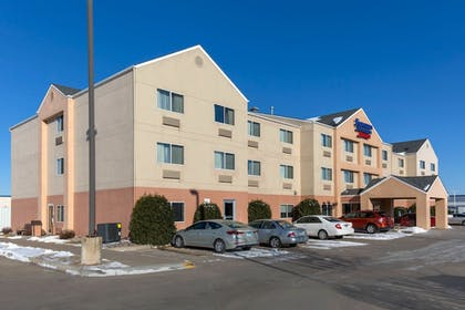 Hotel Front | Fairfield Inn & Suites St. Cloud