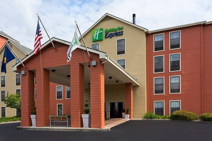 Hotel Front | Holiday Inn Express Grants Pass