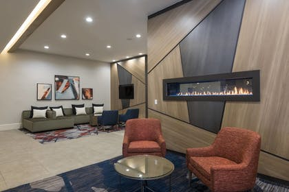 Lobby   Delta Hotels by Marriott Grand Rapids Airport