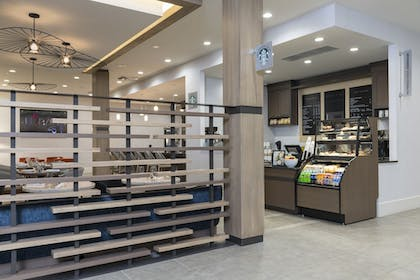 Coffee Shop   Delta Hotels by Marriott Grand Rapids Airport