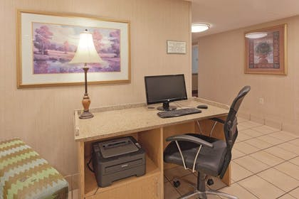 Business Center | La Quinta Inn & Suites by Wyndham Warwick Providence Airport