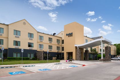 Front of Property | Fairfield Inn & Suites by Marriott Arlington Six Flags