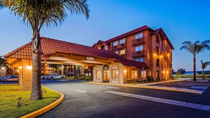 Exterior | SureStay Plus Hotel by Best Western Lompoc