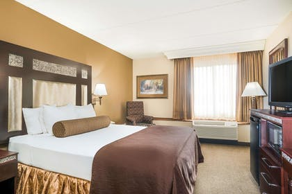 Guestroom | Ramada Hotel & Conference Center by Wyndham Plymouth