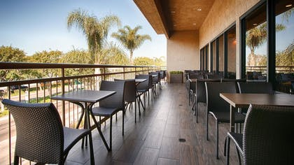 Terrace/Patio | Best Western Plus Anaheim Inn
