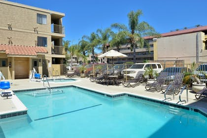 Pool | Best Western Plus Anaheim Inn