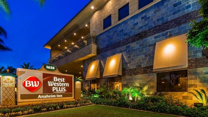 Exterior | Best Western Plus Anaheim Inn