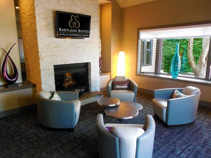 Lobby Sitting Area | Eastland Suites Extended Stay Hotel & Conference Center