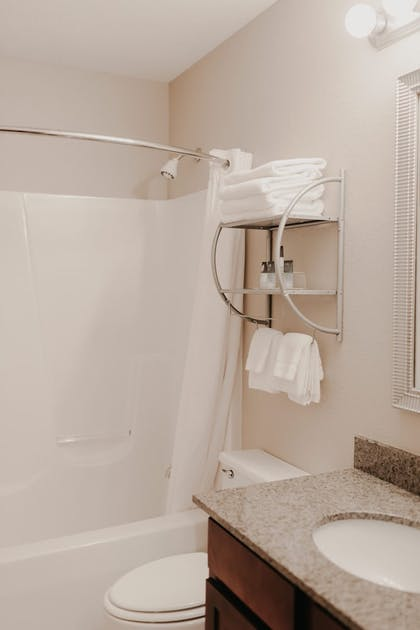 Bathroom | Eastland Suites Extended Stay Hotel & Conference Center