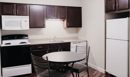 In-Room Kitchen | Eastland Suites Extended Stay Hotel & Conference Center