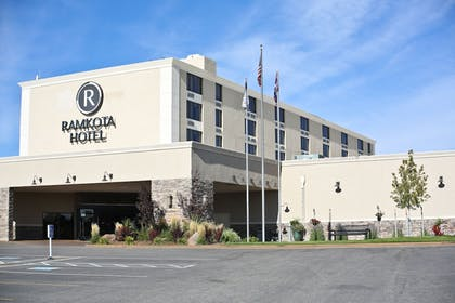 Featured Image | Ramkota Hotel & Conference Center