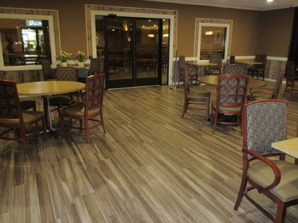 Family Dining | Ramkota Hotel & Conference Center