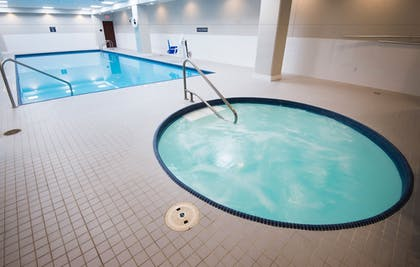 Pool | Crowne Plaza Cleveland at Playhouse Square