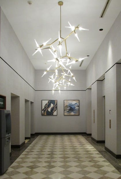 Lobby | Crowne Plaza Cleveland at Playhouse Square