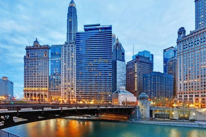Featured Image | Wyndham Grand Chicago Riverfront