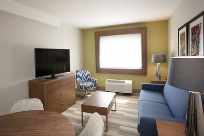Living Area | Holiday Inn Express Athens