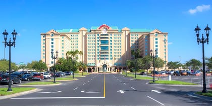 Hotel Front | Florida Hotel & Conference Center in the Florida Mall, BW Premier Coll