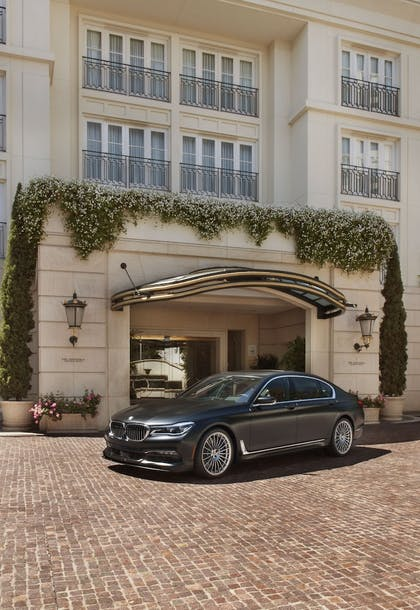 Hotel Entrance | The Peninsula Beverly Hills