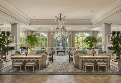 Lobby Lounge | The Peninsula Beverly Hills